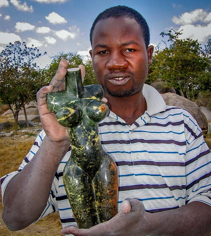 24-Moses Masaya.jpg